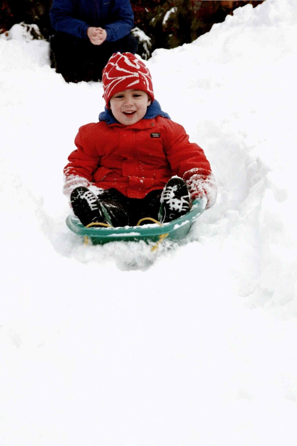 ZZSledding2Feb00.jpg (138460 bytes)